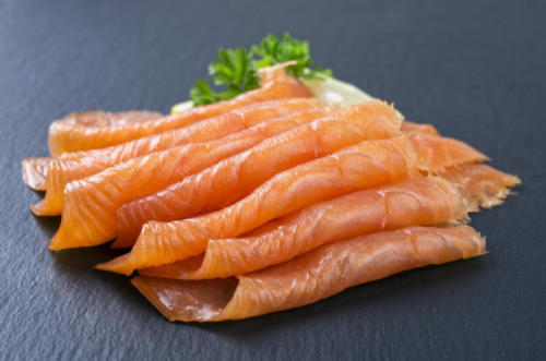 salmone-affumicato-pesce-Fotolia_76313832_Subscription_Monthly_M